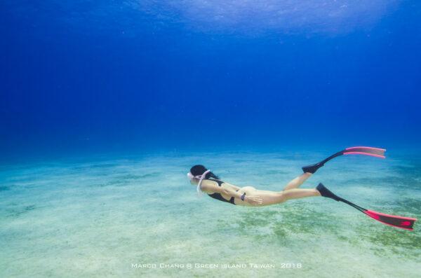 Nina自由潛水