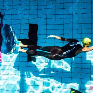 自由潛水轉身